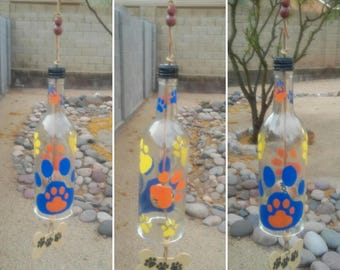 Dog lover gift, Wine bottle wind chime, Dog print yard art, Dog owner windchime, WaggyPawChimes paw decor, put 1 or 2 dogs names on the bone