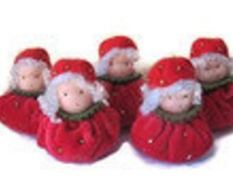 Srawberry Dolls - Waldorf inspired - Nature Table - Aardbei popjes - Seizoentafel - Antroposofisch