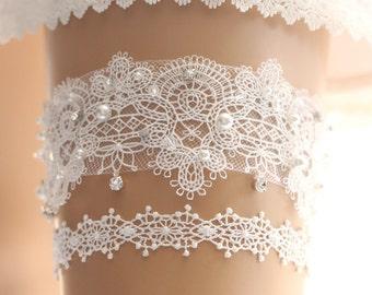 Wedding garter, bridal garter, toss garter, lace garter, rhinestone garter, crystal garter, lace wedding garter set, wedding garter set