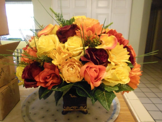 Large fall wedding table centerpieces for wedding and also home decorations
