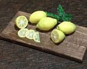 Handmade fresh lemons on ...