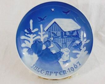 Copenhagen Porcelain, Christmas Porcelain Collector Plate, 1967 Fugtenes Jul
