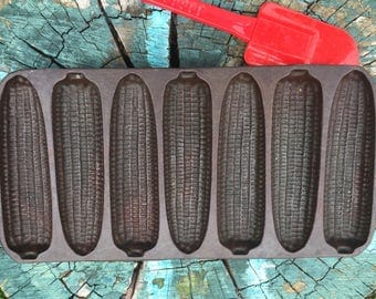 Wagner Ware Junior Krusty Korn Kob cast iron cornbread pan vintage 1920