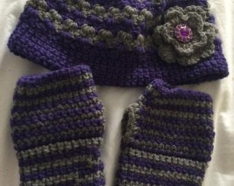 Messy bun hat and fingerless gloves set