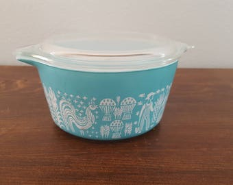 Pyrex Amish Butterprint Casserole with Lid - 473