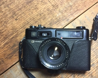 Yashica electro 35 GT in black