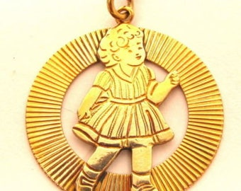 Vintage 12K Gold Filled Little Girl In A Ribbon Circle Coin Charm Pendant*X120