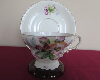 Alladin (Made in Occupied Japan) Tea Cup and Saucer with lovely Floral Pattern