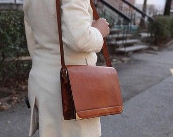 Vintage Woman Leather Shoulder bag