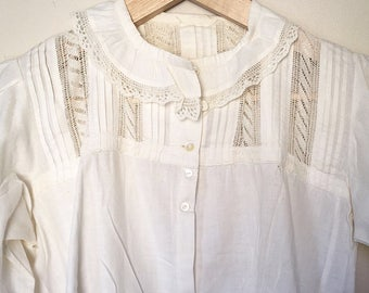 White Vintage Peasant Blouse w/ Lace Decolletage & Ruffled Sleeves