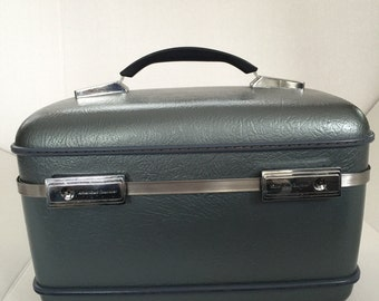 Train Case American Tourister Steel Blue, Lovely Vintage case.