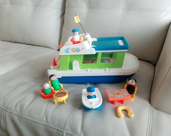 Vintage Fisher Price boat 1970 with accessories
