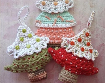 Christmas Tree Applique and Ornament Crochet Pattern - Bead and Button Christmas Tree Ornament - Christmas Tree Applique