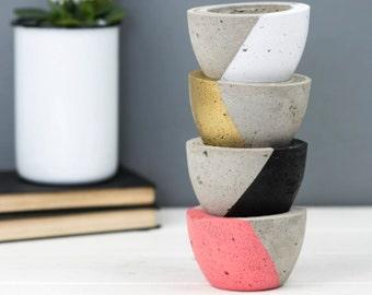 Diagonal Concrete Planter – Geometric – Colour Pop – Concrete Pot – Plant Pot –Indoor Planter – Industrial Design – Stripe – Succulent Pot