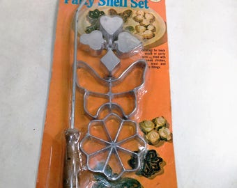 Solid Aluminum Mini Pastry/Patty Shell Set/Wood On End Of Handle/New/Receipe And Direction On The Back (Q)
