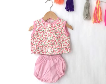 Vintage baby diaper shirt and bloomers set, mod floral print top and pink bloomers baby girls set. Size 3/6M