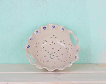Sweet berries sieve with floral pattern - cottage-style Berry strainer - white small screen blue - beautiful housewarming gift - SALE