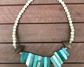 Torquoise stone and wood bead necklace