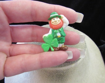 Vintage St Patricks Day Leprechaun Pin
