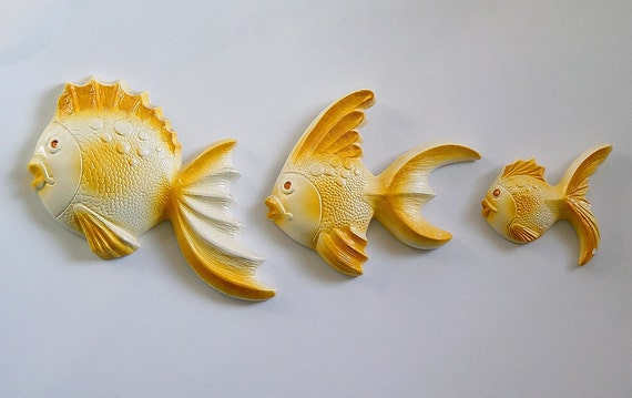 Vintage Set of 3 Favor Ware  Tropical Fish Chalkware Wall Plaques Sequin Eyes