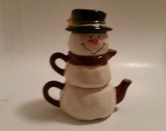 Vintage Snowman Teapot by Gantz. Stackable with Sugar Bowl, Creamer and a Top Hat. Excellent Condition!