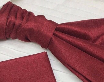 Mens Luxury Dupion Scrunchie Burgundy with matching Pocket Square Pre-Tied