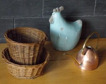 Vintage wicker basket / round basket is hand made in France of 1950 / old basket