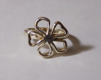 Sterling silver flower ring size 10.25
