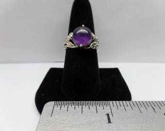 Vintage Sterling Silver Round Amethyst Ring