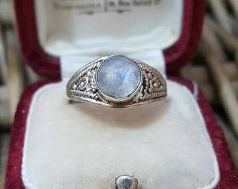 Vintage 925 sterling silver ring,retro, moonstone, size l1/2