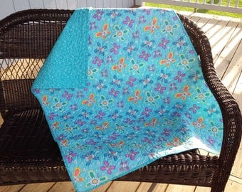 "Aqua Blue Drag-About Quilt, 35""x45"""