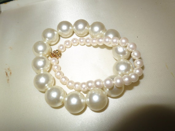 2 Lovely vintage round white faux pearl bracelets