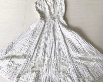 Drop dead gorgeous 1950s Harvey Berin lace dress