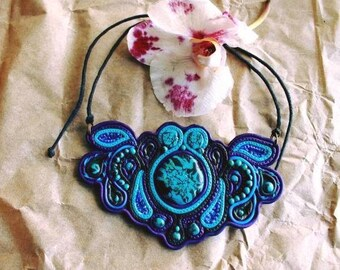 Psychedelic Necklace, blue boho accessories, polymer clay sutage
