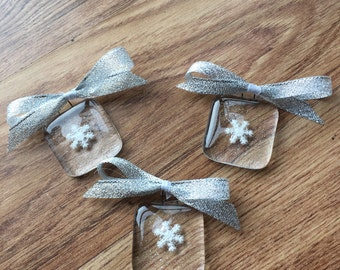 3 x christmas decoration, tree decoration, christmas tree, fused glass, snowflake, gift tag, gift, gift for her