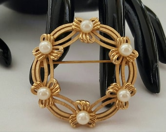 TRIFARI Bows And Pearls Pin