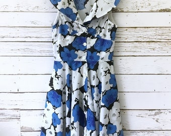 Vintage Button-Up Sleeveless Dress in Blue Black & White Floral Chiffon with Shawl Collar 50's 60's 70's