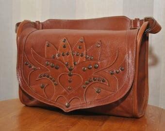 Vintage Rizzo brown / orange / tan genuine leather riveting shoulder bag