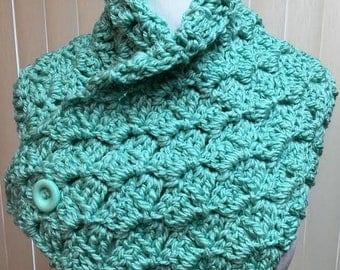 Green Neckwarmer Scarf, Green Button Scarf, Light Green Crochet Scarf, Green Neck Warmer Scarf, Green Scarf with Buttons, Chunky Neckwarmer