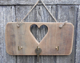 Shabby Chic Heart Handmade Chunky Solid Reclaimed Wood Key Rack Holder Hooks