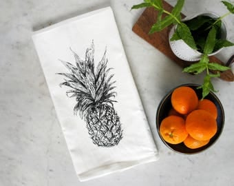 Pineapple Decor, Pineapple Towel, Pineapple Gift, Tea Towel, Pineapple Tea Towel, Dish Towel, Housewarming Gift, Dish Cloth, Kitchen Towel