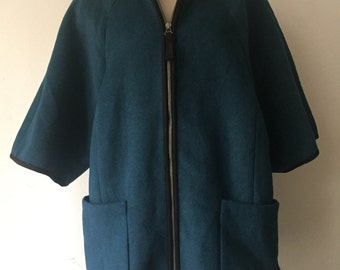 Elegant Mid Length Vintage Blue 100% wool Coat Women's Size Medium.