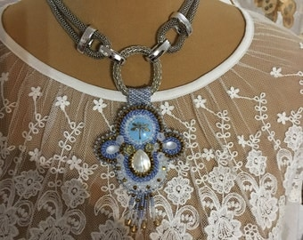 Pendant embroidered bib necklace beads and cabochons
