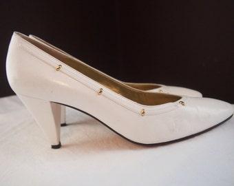 Bruno Magli Women's White Leather Pumps Vintage Classics