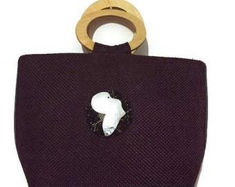Brown handbag with wooden handles