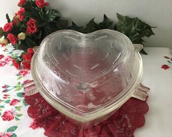 1950's Safe Bake Heart Casserole Dish