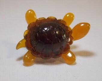 Avon Plastic Turtle Tie Tac Turtle pin Turtle Brooch Plastic pin Avon Brooch avon Pin Avon Tie Tac