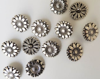 antique silver tone metal DAISY FLOWER buttons 17 mm, sewing supplies