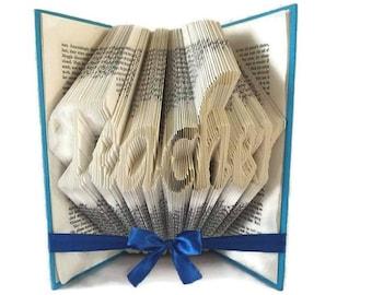 Teacher book folding pattern. DIY teacher gift. Handmade appreciation gift. Create your own book sculpture. Free tutorial