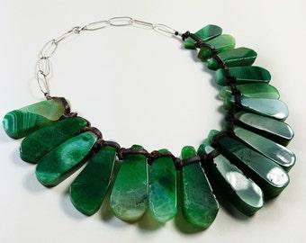 Short Collar. Silver necklace. Green Collar. Agate Necklace. Leather necklace. Ethnic necklace. Agate Necklace. Ethnic Necklace. Green Necklace.
